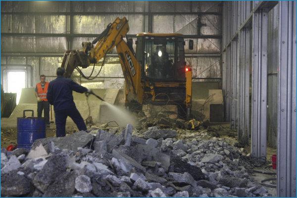 Услуги по демонтажу внутри зданий